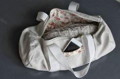 Libre Excès: L'affaire est dans le sac (Tutoriel Sac Polochon) awesome and simple bag!!! clear intructions too