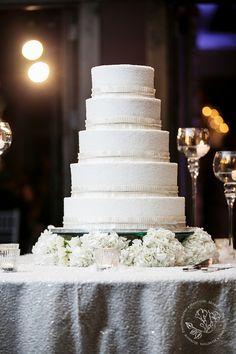 Winter Wedding Cake  www.significanteventsoftexas.com