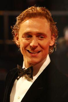 Tom Hiddleston Photo - Orange British Academy Film Awards 2012 - Inside Arrivals