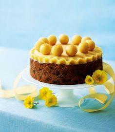 Fill your home with the scents of simnel cake and homemade hot cross buns. Our Easter baking ideas for buns, cakes and tarts will have everyone asking Easter Treats, Easter Cake, Easter Food, Easter Bunny, Simnel Cake, Hot Cross Buns, Variety Of Fruits, Cake Toppings, Cake Tins