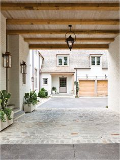 Porte Cochere (Covered driveway with side entrance) | Peter Block