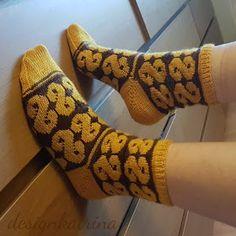 Lusselelle sockor. STICKAD av designkatrina