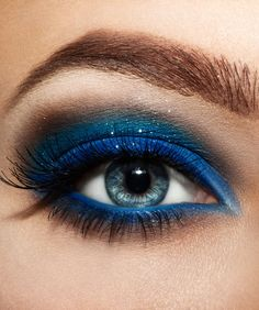 Blue eyeshadow #dramatic eyeshadow #eye #makeup #eyes #bold #glitter #bright