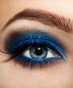 Blue eyeshadow #dramatic eyeshadow #eye #makeup #eyes #bold #glitter #bright