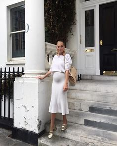 """676 curtidas, 39 comentários - Laura Wills (@thefashionbugblog) no Instagram: """"When June feels like September and you have to pull out the winter whites! http://liketk.it/2rQfY…"""""""