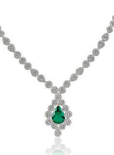 #emerald #diamond #necklace #liali #jewellery #dubai