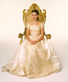 If I ever get married again I want a dress like this lol