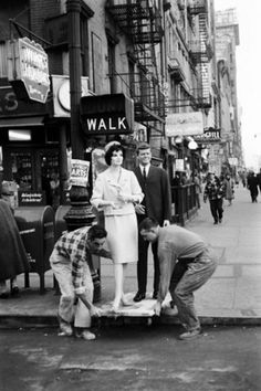 JFK and Jackie mannequins, New York, 1961    Photo by Yale Joel