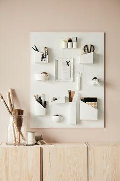 Oude producten hergebruiken: maak met oude verpakkingen een muur-organiser | IKEA IKEAnederland IKEAnl DIY inspiratie wooninspiratie verpakkingen opbergen opberger opbergen bord mdf plaat knutselen