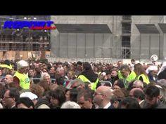 Bagno di folla per Papa Francesco: in 60 mila a Piazza del Plebiscito – VIDEO | Report Campania