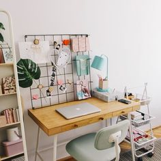 Leading 10 Stunning Home Office Design – Farmhouse Decoration Apartment Bedroom Decor, Dorm Rooms, Apartment Office, Dorm Room Desk, Bedroom Desk, Office Workspace, Apartment Ideas, Home Office Design, Home Office Decor