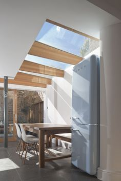 """North London house extension by Denizen Works transforms a """"small dark bachelor pad"""" into a family home with a light-filled kitchen and dining space Glass House Design, Home Design, Interior Design, Design Ideas, Design Inspiration, Interior Architecture, Interior And Exterior, Extension Veranda, London House"""