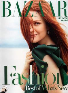 Julianne Moore for Harper's Bazaar Magazine January 2006 Julianne Moore, Gia Movie, Celebrities Then And Now, Scarlett, Peter Lindbergh, Warm Autumn, Julie, Ginger Hair, Green Fashion