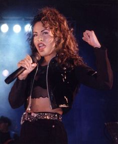 Announcing Selena The One: Ambitious Project to Create Iconic Singer in Digital Format - Body, Voice, and Mind Producers in Collaboration With Quintanilla Family Selena Quintanilla Perez, Selena Costume, Selena And Chris, Selena Selena, Selena Bustier, Selena Gomez, Selena Pictures, Mundo Musical, Iconic Women