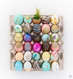 Tuesday S. is sharing a fun and crafty Easter Egg decorating workshop. (A blog from the Creative Studios at Hallmark.)