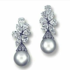 Leyla_ozakbas. Enchanting diamonds and pearls earrings. True perfection.