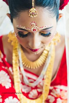 Gorgeous makeup from a traditional Indian wedding. The bold colors are beautiful!