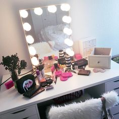All the essentials  @ohsarahsmotherman's vanity space features our #impressionsvanityglowxl (at Impressions Vanity Co.)