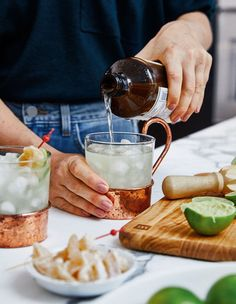 Obtenez les recettes préférées de la blogueuse culinaire Abbey Sharp. Cocktails Champagne, Cider Cocktails, Festive Cocktails, Summer Cocktails, Moscow Mule, Kombucha, Beet Recipes, Cooking Recipes, Ginger Beer