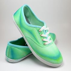 Neat Dyed Sneakers - Turning Around a Craft FAIL! - Dream a Little Bigger- I'm going to try this I think