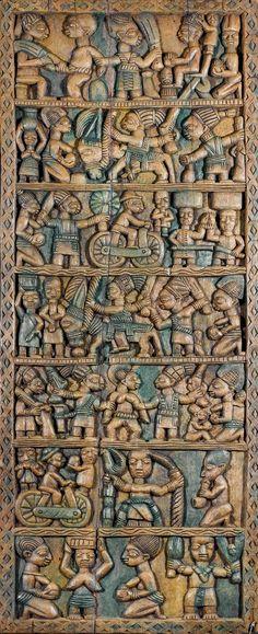 Africa | Palace door panel from the Yoruba people of northern Ekiti Region of Nigeria | Artist: Areogun oder Oshamuko von Osi | ca. early 20th century | Wood and pigment