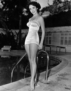 Elizabeth Taylor   Vintage Love