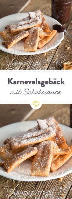 Wenn knusprig süßes Gebäck Karneval feiert ist auf jeden Fall Schokoladensauce im Spiel. Zumindest bei diesen frittierten Happen darf sie nicht fehlen.