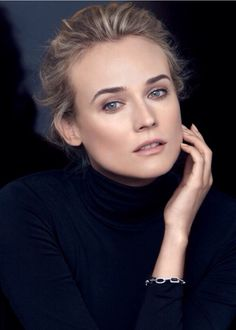 Diane Kruger by Peter Lindbergh_ Chanel Beauté Diane Kruger, Most Beautiful Women, Beautiful People, Chanel Beauty, Chanel Makeup, Dramatic Classic, Barbie World, Woman Crush, Woman Face
