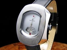 Sindaco - Jump Hours with red-tipped second hand.  I'm starting to like these old jump hour watches more and more.