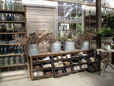 Wonderful garden store over 20 pictures Shop Interior Design, Store Design, Garden Center Displays, Garden Centre, Flower Shop Interiors, Design Food, Garden Nursery, Farm Stand, Store Displays