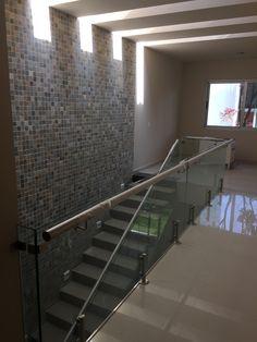 Escalera elaborada con granito negro san Gabriel
