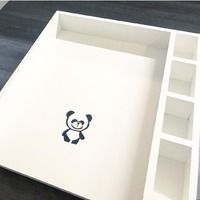 Skötbord med pandatryck från Dushi design of Sweden 🐼 Sweden, Design, Home Decor, Decoration Home, Room Decor, Home Interior Design, Home Decoration, Interior Design