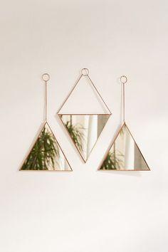 Triangle Mirror Set - New Deko Sites Living Room Designs, Living Room Decor, Bedroom Decor, Cheap Home Decor, Diy Home Decor, Triangle Mirror, Spiegel Design, Cute Dorm Rooms, Decor Interior Design