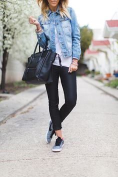 Black leggings with a chambray shirt and sneakers. I love this laid back classy look!