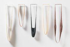 """Halsketten """"colours"""", 2016. Silber, Rotgold, oxidiertes Silber, Gold, gefärbtes Silber und Seidenfaden. Photo Dries Van den Brande. Preis auf Anfrage"""