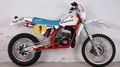 Love the colors. Moto Enduro, Scrambler Motorcycle, Racing Motorcycles, Enduro Vintage, Vintage Bikes, Vintage Motorcycles, Bmw, Dirt Bike Magazine, Dirt Bike Girl