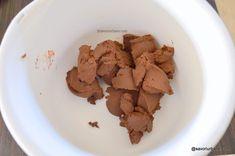 Cremă de ciocolată cu mascarpone pentru tort, prăjitură, fursecuri, macarons | Savori Urbane Peanut Butter, Birthday Cake, Cheese, Cookies, Cream, Desserts, Food, Pies, Mascarpone