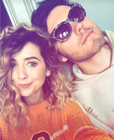 Why can't I have a relationship like theirs Zoella Style, British Youtubers, Zoe Sugg, Vlog Squad, Girl Online, Elizabeth Olsen, Everyday Outfits, Round Sunglasses, Celebrities