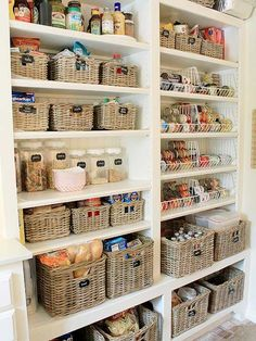 Check out these amazing pantries that are super organized! Baskets, jars and plastic containers hold everything in their place and make these walk-in kitchen pantries a dream to see. Get some serious organization inspiration!