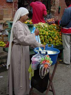 Street vendor, Silvia, Colombia
