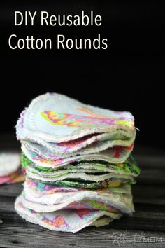 These DIY Reusable Cotton Rounds are a great way to use fabric scraps and perfect to use on face or as reusable nursing pads, too! Scrap Fabric Projects, Easy Sewing Projects, Sewing Projects For Beginners, Fabric Scraps, Sewing Crafts, Fabric Scrap Crafts, Sewing Hacks, Quilting Fabric, Sewing Tips