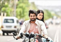 Bollywood Gals: Geetha Govindam Movie Latest Stills Vijay Deverakonda, Rashmika Mandanna Full Hd Wallpapers, Hd Wallpapers For Mobile, Movie Wallpapers, Movie Couples, Cute Couples, Vijay Actor, Vijay Devarakonda, Photo Background Images, Actors Images