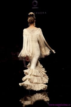 Flamenco Party, Flamenco Dresses, Dance Fashion, Couture, Personal Style, Dancer, Statue, Elegant, My Style