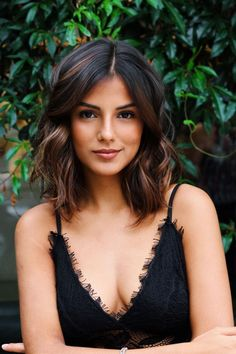 Outfit Corte Long Bob + de 107 Photos that prove that Long B . Shoulder Length Layered Hair, Mid Length Hair, Winter Hairstyles, Trending Hairstyles, Bridal Hairstyles, Popular Hairstyles, Dark Hair, Blue Hair, Brown Hair