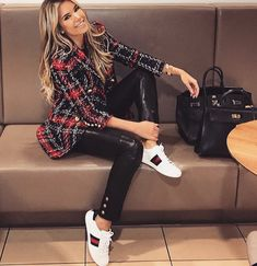 moda de luxo vintage: Explorando o Rise of the Secondhand . Classy Outfits, Chic Outfits, Winter Outfits, Fashion Outfits, Womens Fashion, Look Fashion, Winter Fashion, Luxury Fashion, Fashion Styles