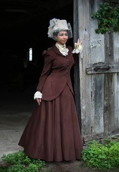 Our Quinn Riding Suit is reminiscent of the Old West and works well as a SASS competition costume! Victorian Costume, Steampunk Costume, Steampunk Fashion, Victorian Dresses, Steampunk Clothing, Gothic Fashion, Victorian Women, Victorian Fashion, Vintage Fashion