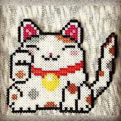 Lucky Cat - Maneki-neko hama perler beads by sweetiebanana