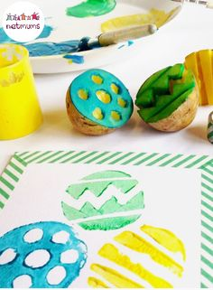 Run out of entertainment ideas this Easter Holiday? Beat boredom by cracking open the arts and crafts kit and get the kids making their very own Easter cards. These fun designs will inspire you . art eyfs 10 cute card ideas for Easter Arts And Crafts Kits, Easter Arts And Crafts, Easter Crafts For Kids, Craft Kits, Easter Ideas, Diy Ostern, Boyfriend Crafts, Easter Activities, Easter Holidays