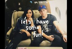 Nick Jonas & Demi Lovato Sent Their Fans On A Scavenger Hunt For A Pair Of Tickets To Their Show!