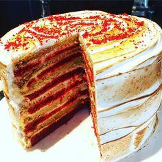 Red velvet S'mores cake @soettreateatery @hertexfabrics #soetcakes
